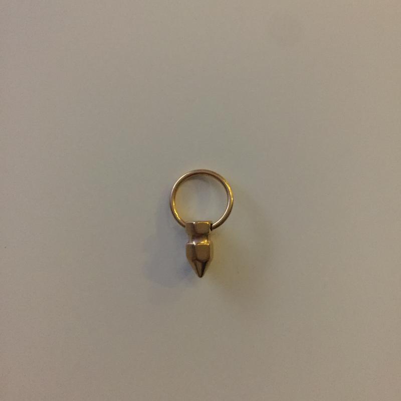 Helix Ring med Guldfärgad Kon