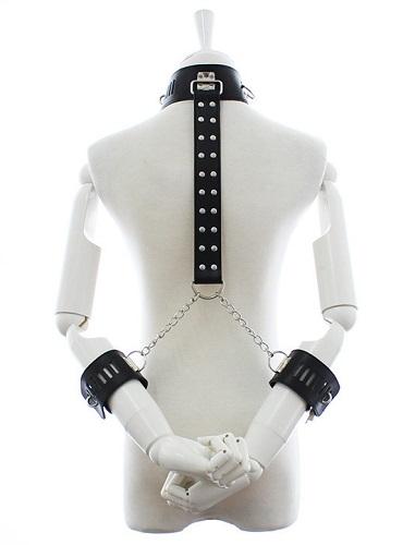 Bondage halsband med arm manschetter